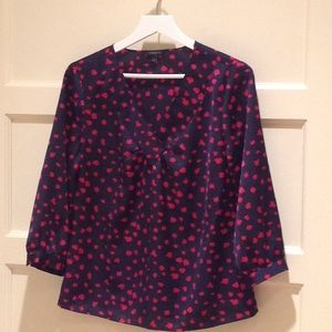 Silky V-neck Navy Top with Hot Pink Accents